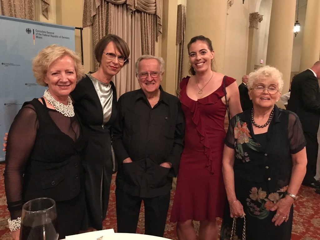 left to right: Laura Yanes, Counsel General of the Federal Republic of Germany Annette Klein, Prof. Roy, Melanie Goergmaier, Prof. Roy's wife
